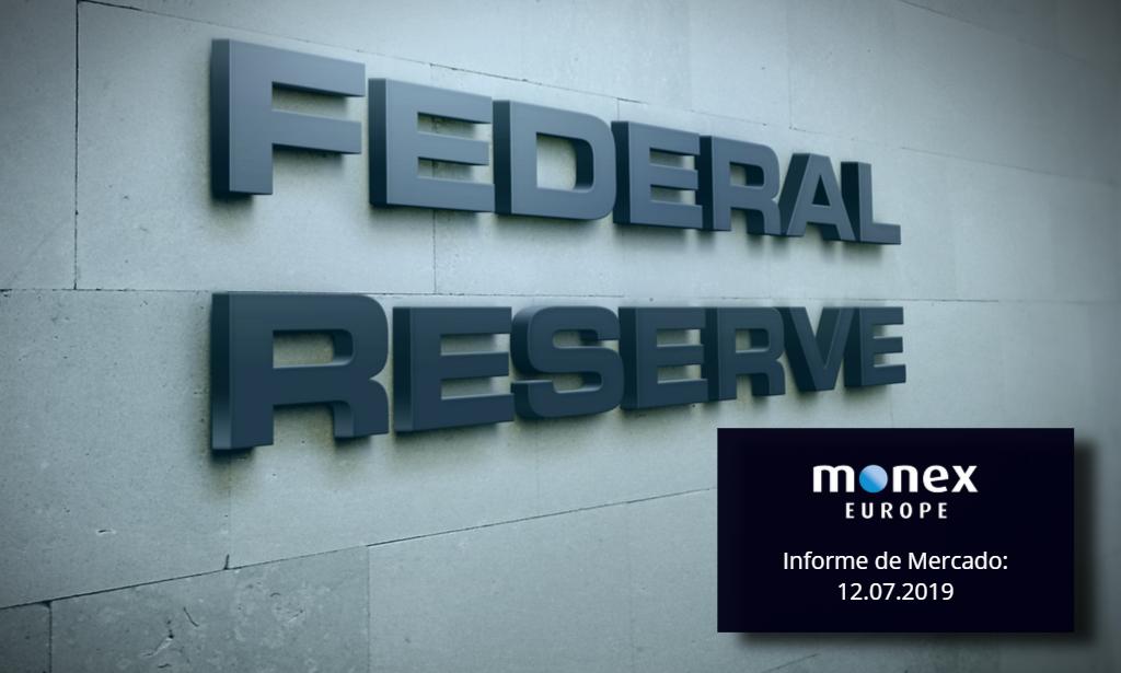 La Fed en la mira debilita al dólar