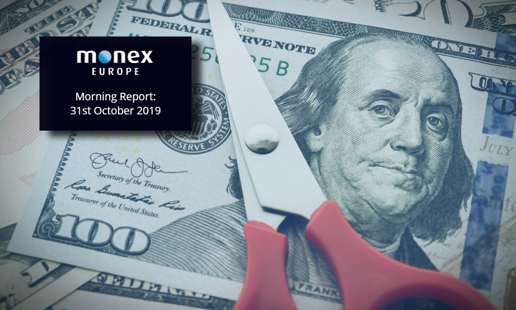 Dollar weakens despite Fed signalling a pause to cuts